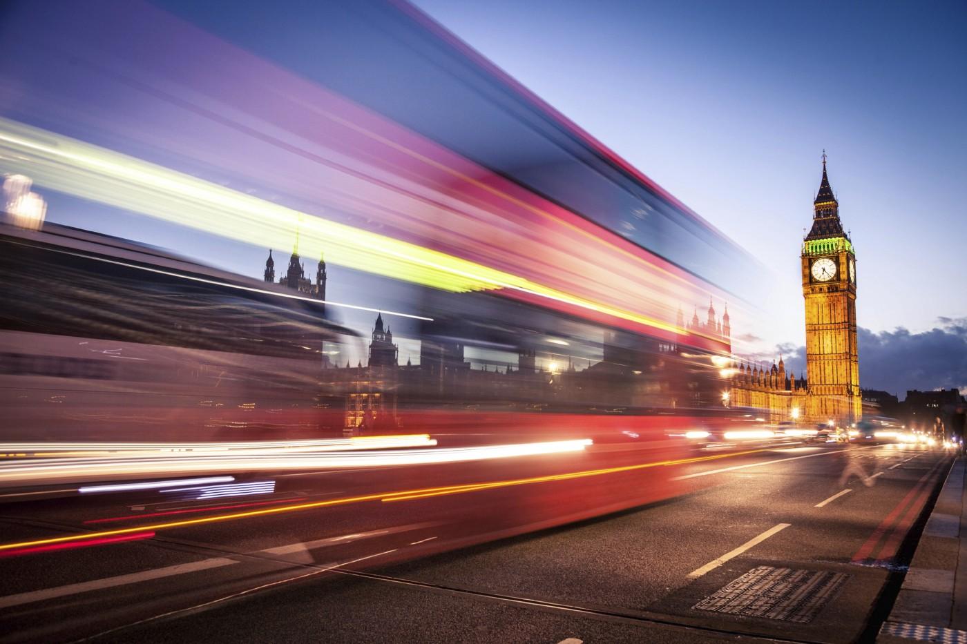 london-red-bus-on-westminster-bridge